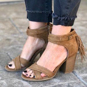 NIB Tan Crisscross Vamp Fringe Block Heel Sandal